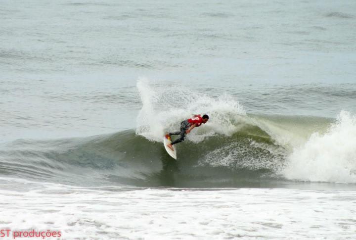 campeonato-de-surf